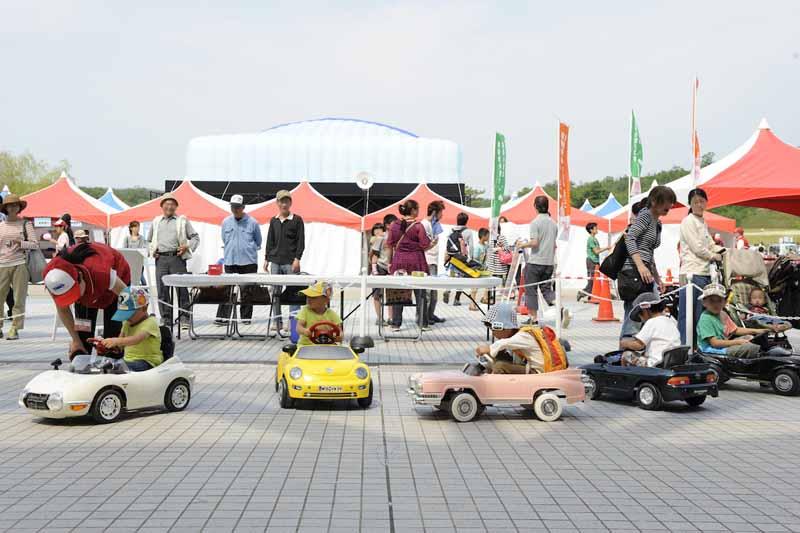 26th-toyota-automobile-museum-classic-car-festival20150422-15-min