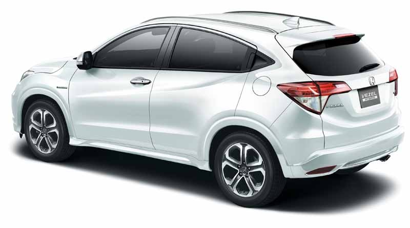 Honda-VEZEL-additional-equipment-expansion-4WD-vehicles20150423-1-min