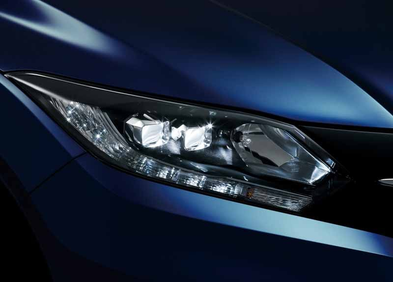 Honda-VEZEL-additional-equipment-expansion-4WD-vehicles20150423-4-min