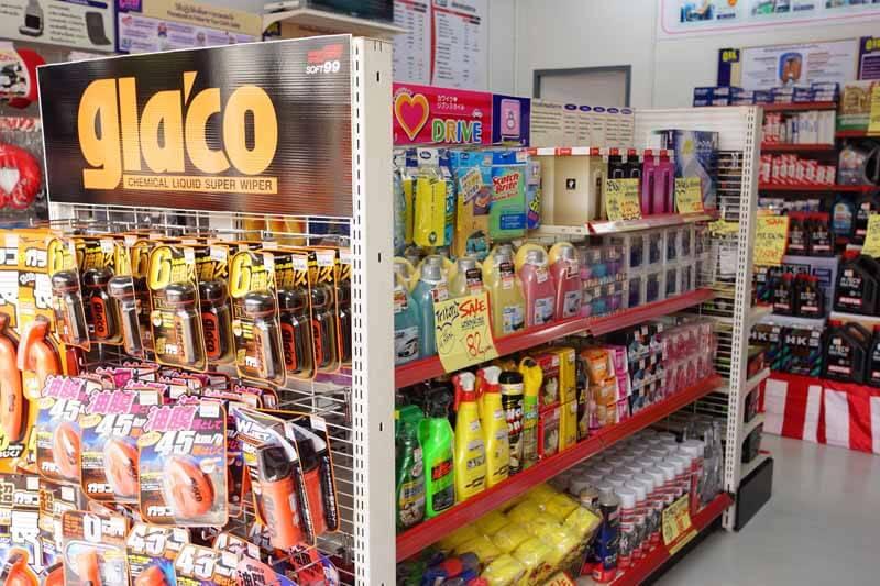 autobacs-thailand-deploy-six-stores-eyes20150409-2