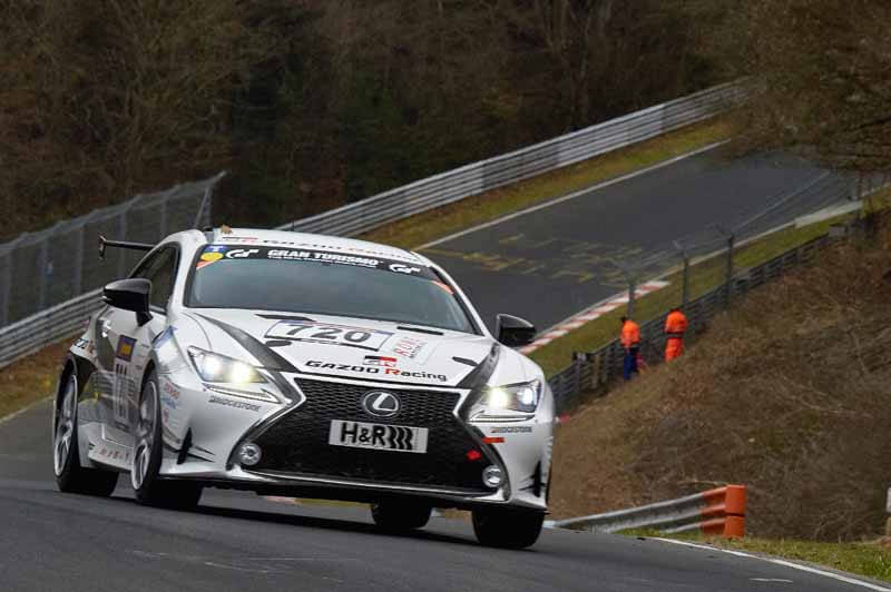 car-manufacturing-in-the-race-laboratory-start-running-of-toyota20150409-80
