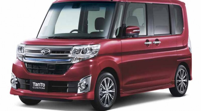 daihatsu-is-equipped-with-a-smart-assist-Ⅱ-to-move-and-tanto20150427-18-min