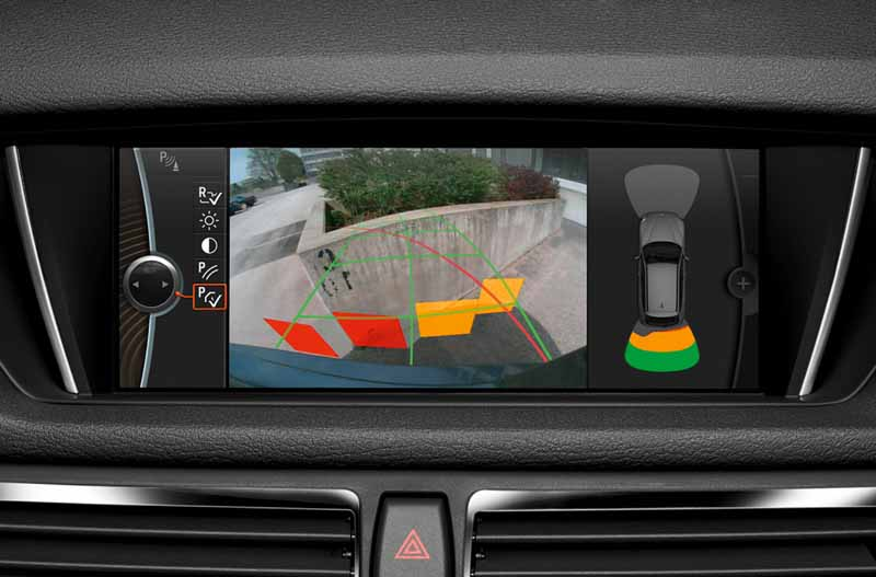equipped-with-bmw-x1-navigation-and-parking-support20150421-4-min