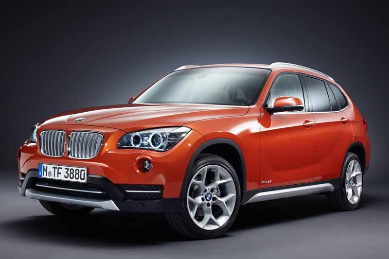 equipped-with-bmw-x1-navigation-and-parking-support20150421-5-min