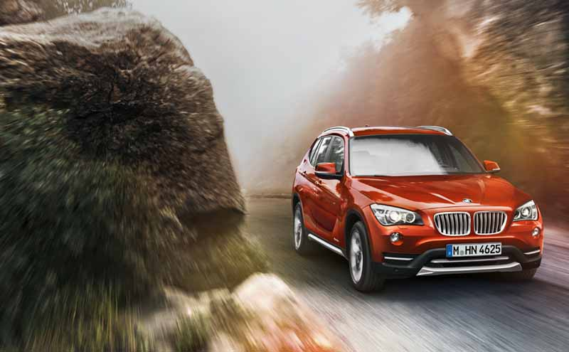 equipped-with-bmw-x1-navigation-and-parking-support20150421-6-min