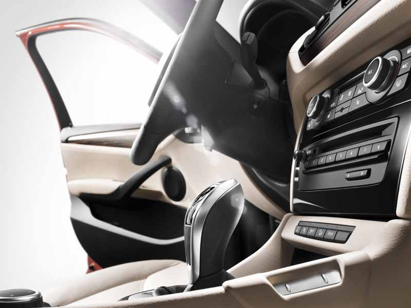 equipped-with-bmw-x1-navigation-and-parking-support20150421-8-min