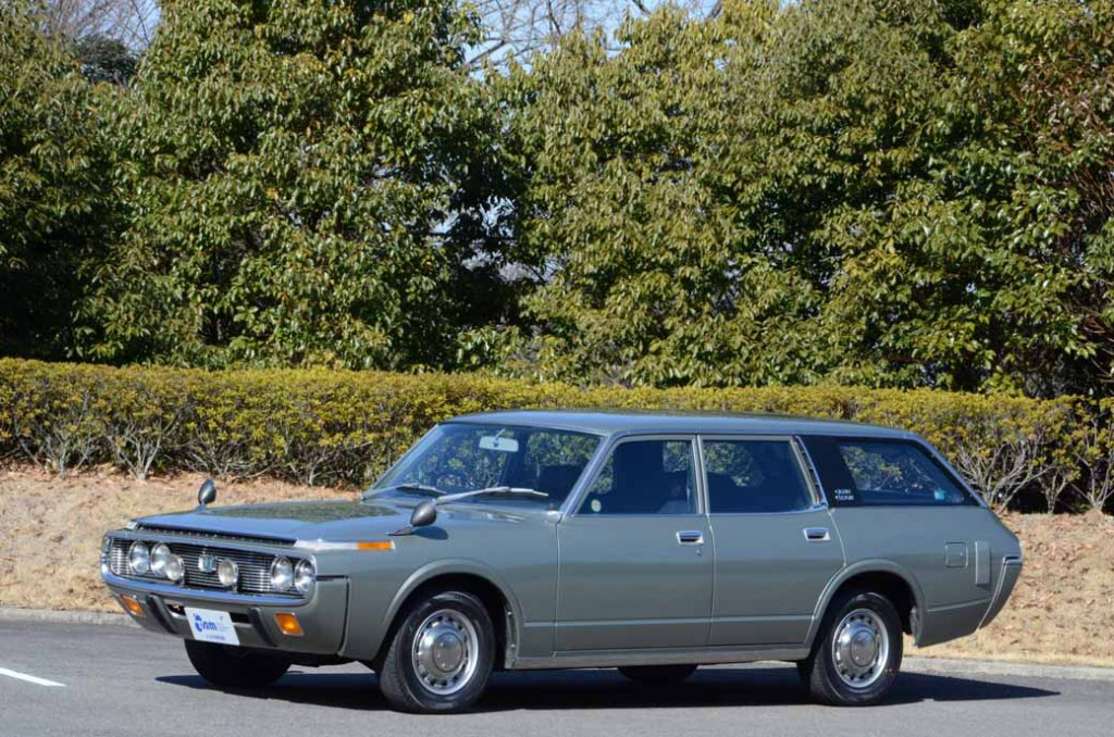 from-crown-60th-anniversary-exhibition-april-25-toyota-museum20150403-04