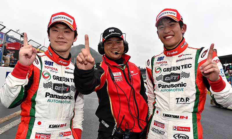 gt300-prius-apr-gt-is-overwhelming-victory-a-rival20150405-4
