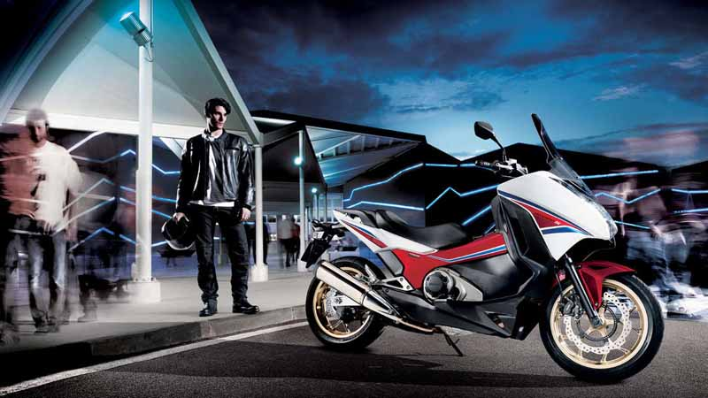 honda-and-re-entered-the-taiwan-motorcycle-market-large-car-sales-start20150418-1-min