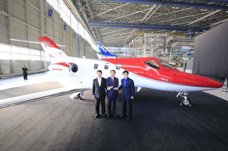 honda-jet-Japan-premiere20150424-11-min