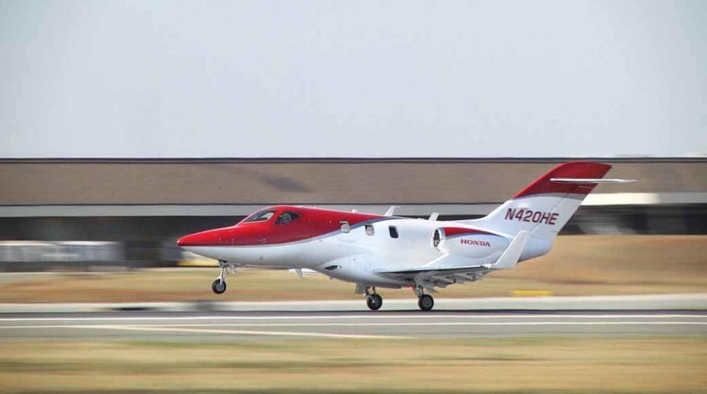 honda-jet-airplane-to-finally-Japan-empty20150408-10