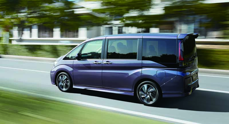 honda-the-new-step-wagon-step-wagon-spada-launched20150423-15-min