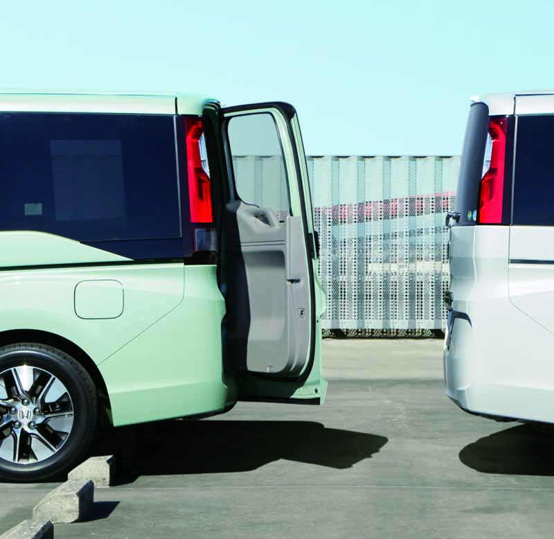 honda-the-new-step-wagon-step-wagon-spada-launched20150423-6-min