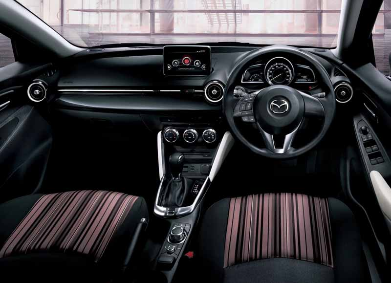 mazda-demio-mid-century-and-urban-stylish-mode-released20150423-5-min