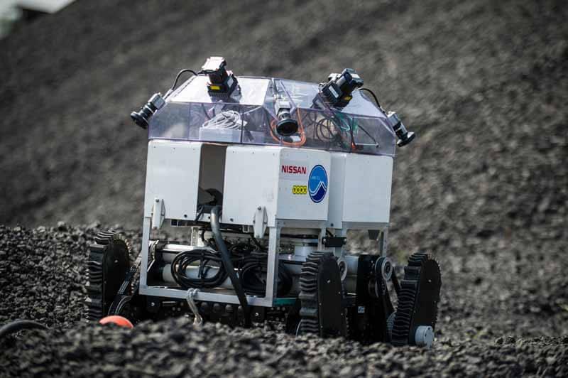 nissan-around-view-monitor-technology-unmanned-spacecraft20150409-1