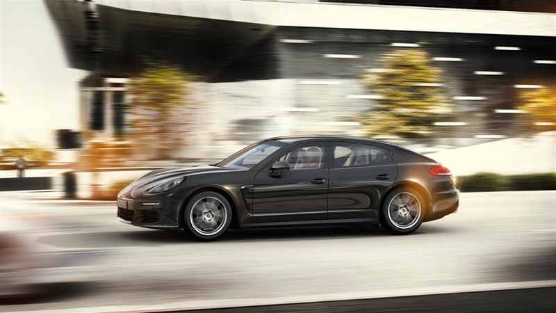 porsche-panamera-edition-4-edition-of-book-orders-start20150415-2