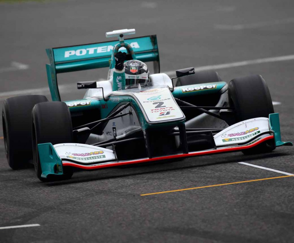 super-formula-first-leg-opening-i-decorate-the-toyota-engine1-2-finish20150421-12-min