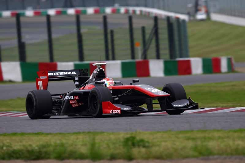 super-formula-first-leg-opening-i-decorate-the-toyota-engine1-2-finish20150421-2-min