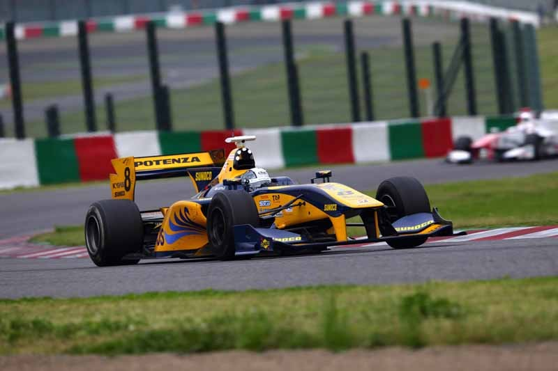 super-formula-first-leg-opening-i-decorate-the-toyota-engine1-2-finish20150421-3-min