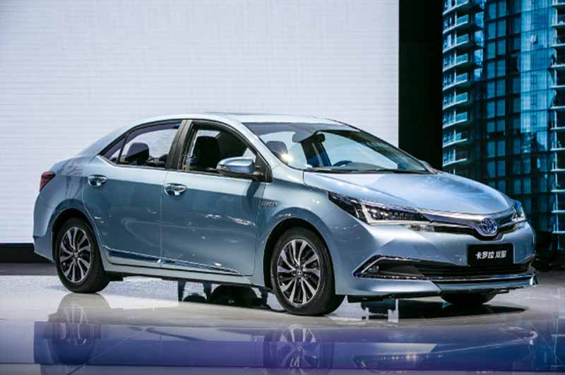 toyota-announces-corolla-hybrid-levin-hybrid-of-china-development20140422 -2-min