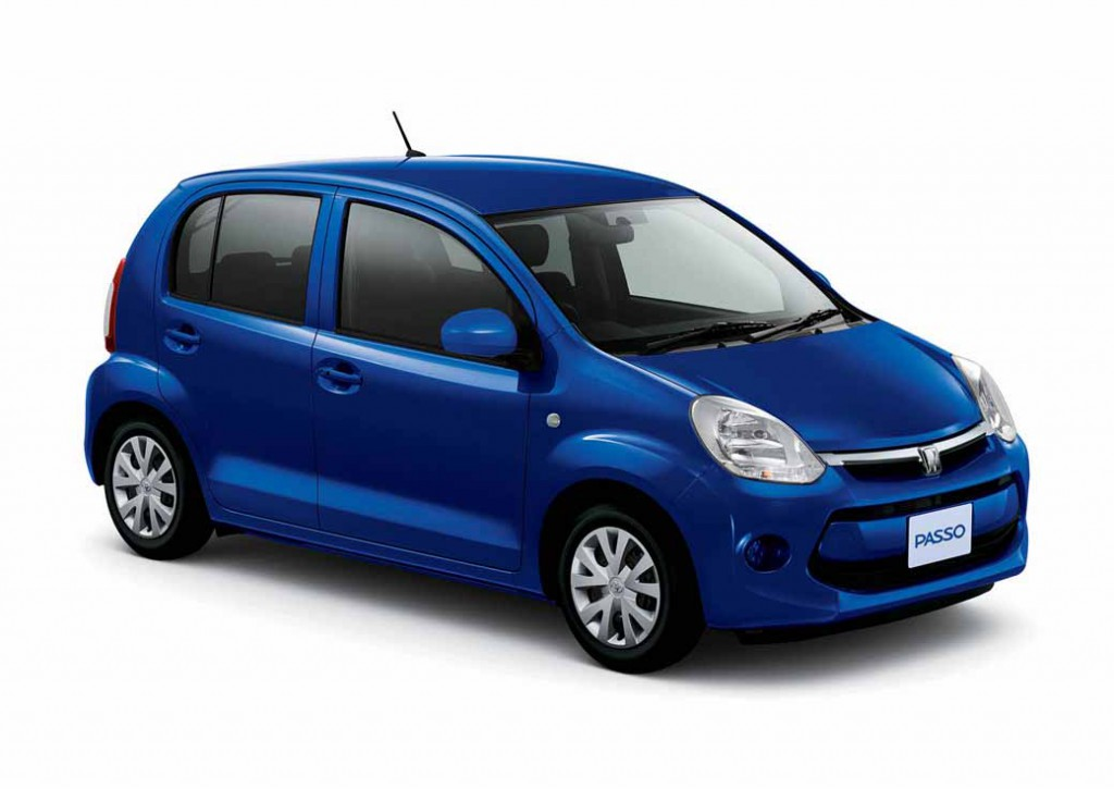 toyota-launched-the-special-edition-models-of-Passo20150331-1