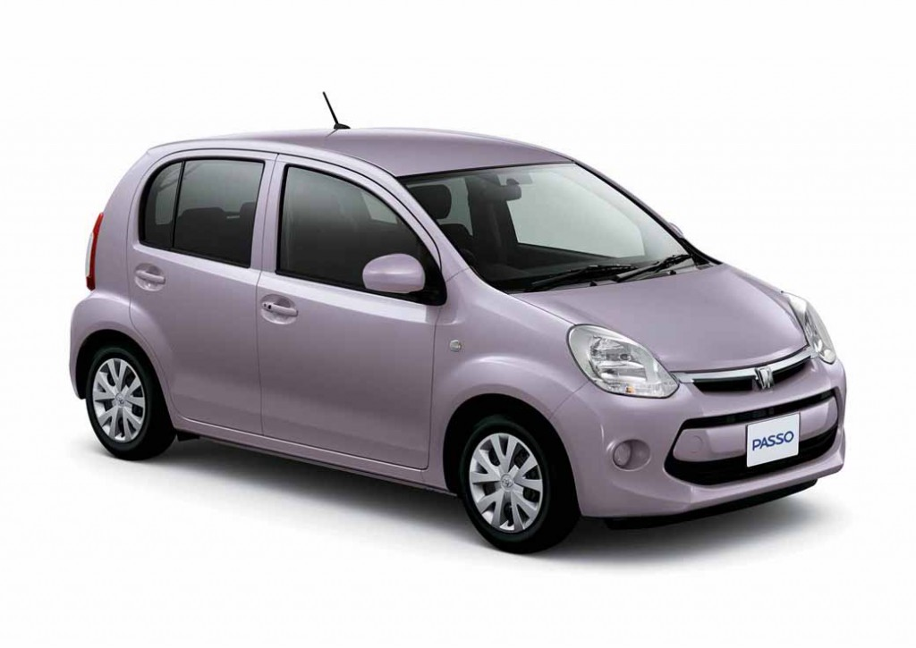 toyota-launched-the-special-edition-models-of-Passo20150331-3