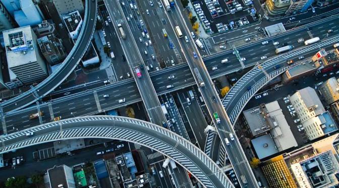 佃義夫のモビリティ徒然草 – 2015年、国内自動車市場を占う