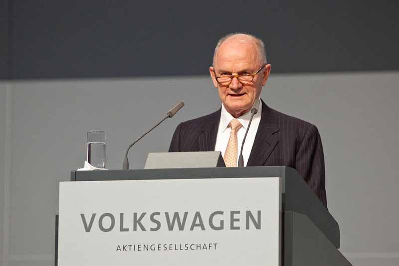 vw-dr-piech-resigned-or-changes-in-the-motor-sports-activities-there20150427-2-min