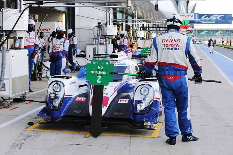 wec-first-round-silverstone-qualifying-end-toyota-racing-finals-4-6-fastest20150412-1