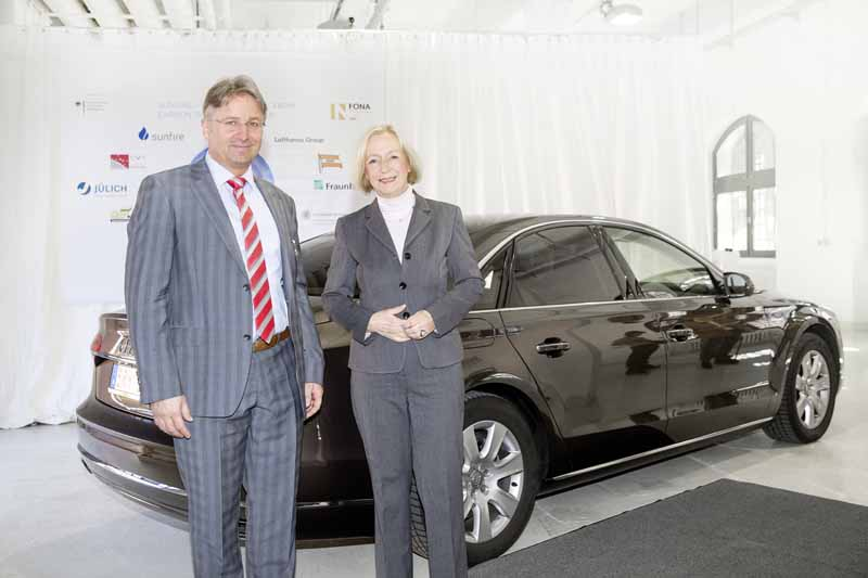 audi-and-full-scale-operation-of-the-new-fuel-to-make-with-water-and-electricity20150505-2-min