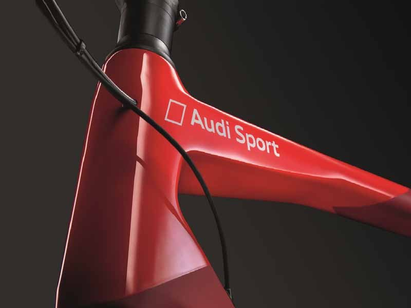 audi-japan-premiere-ultra-light-audi-sport-racing-bike20150517-4-min