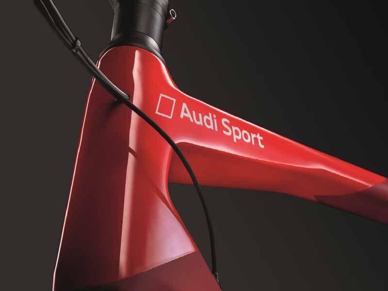 audi-japan-premiere-ultra-light-audi-sport-racing-bike20150517-4-min