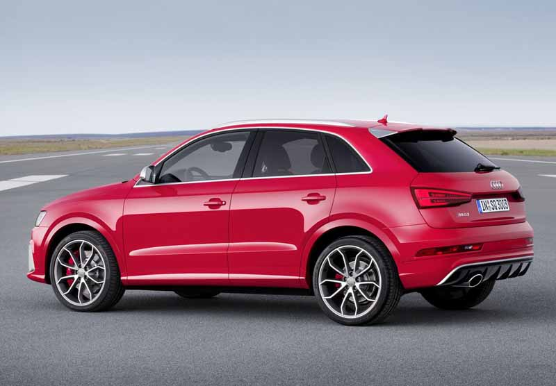 audi-the-start-released-from-the-new-q3-rs-q3-may-21-20150514-10-min