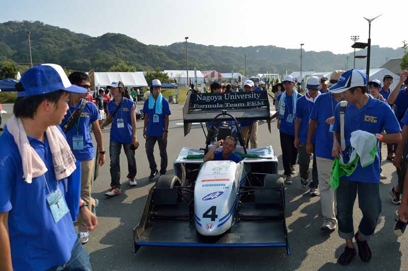autobacs-and-support-the-student-formula-sae-competition-of-japan-team20150515-6-min
