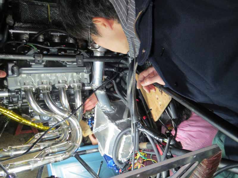 autobacs-and-support-the-student-formula-sae-competition-of-japan-team20150515-9-min