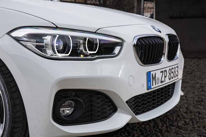 bmw-1-series-announcement-entry-model-off-the-3-million-yen-price20150514-3-min
