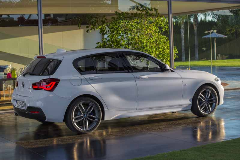 bmw-1-series-announcement-entry-model-off-the-3-million-yen-price20150514-8-min