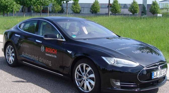 ボッシュ、テスラ モデルSベースの自動運転テスト車導入