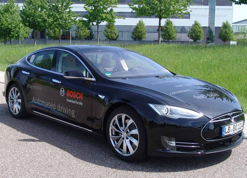 bosch-tesla-model-s-based-automatic-operation-test-vehicle-introduced20150522-2-min