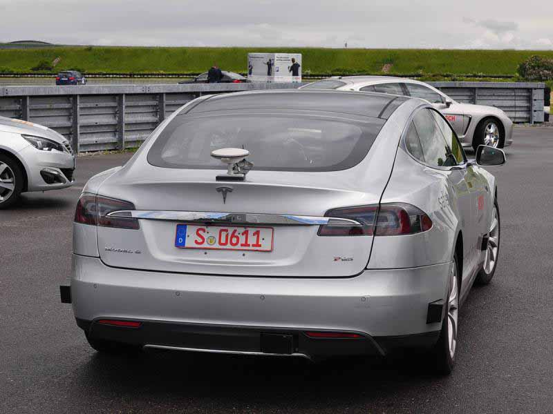 bosch-tesla-model-s-based-automatic-operation-test-vehicle-introduced20150522-4-min