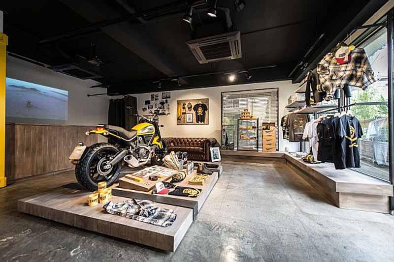 ducati-scrambler-concept-store-open20150502-3-min