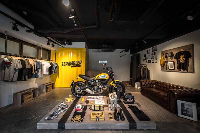 ducati-scrambler-concept-store-open20150502-4-min