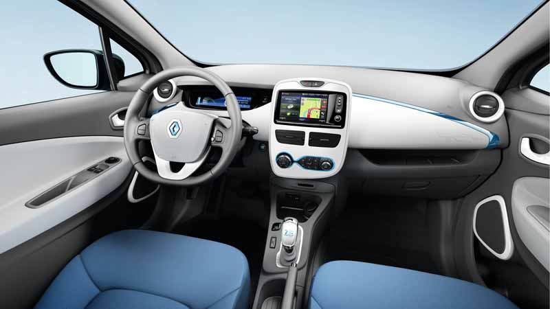e-5000-of-the-bonus-to-the-buyer-of-the-renault-zoe20150512-2-min