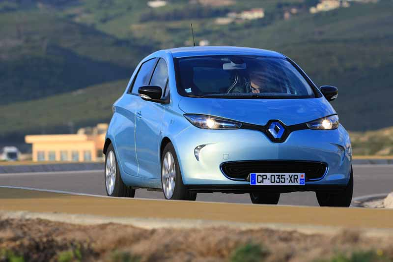 e-5000-of-the-bonus-to-the-buyer-of-the-renault-zoe20150512-4-min
