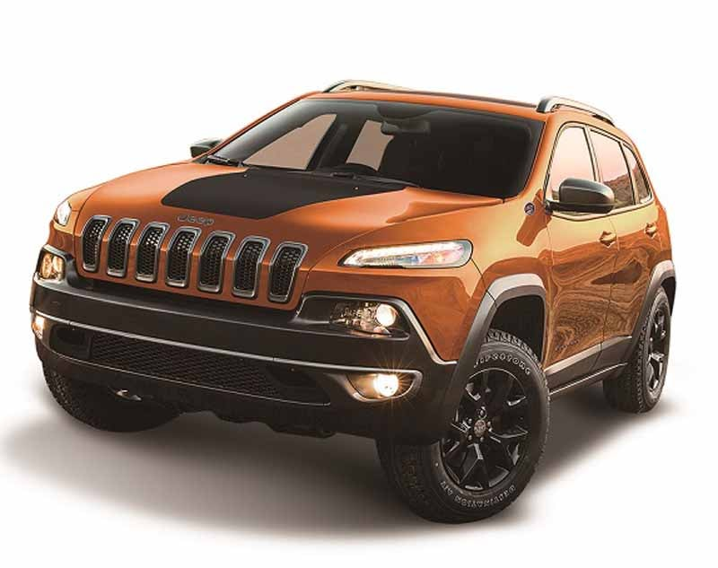 fca-japan-jeep-limited-car-2-models-530-released-from20150525-5-min