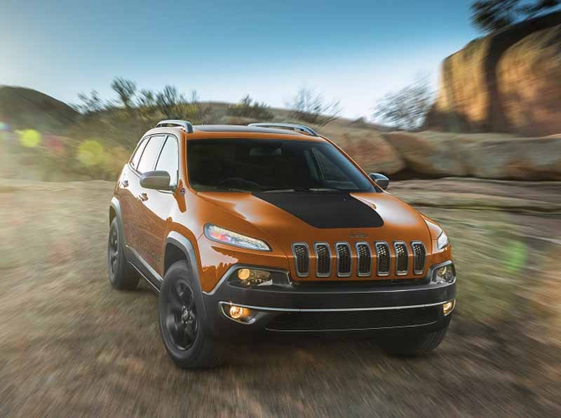 fca-japan-jeep-limited-car-2-models-530-released-from20150525-6-min