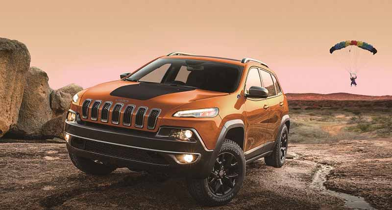 fca-japan-jeep-limited-car-2-models-530-released-from20150525-7-min