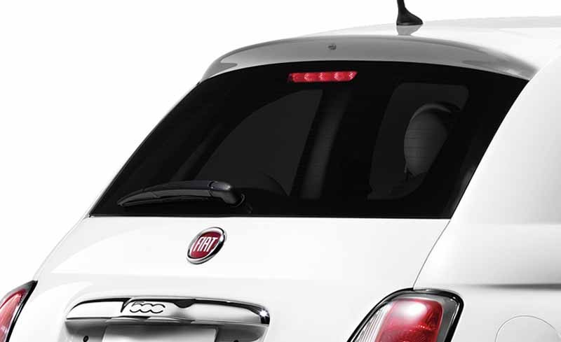fiat-and-released-500-perla-of-soft-leather-interior-in-white-body20150501-4-min