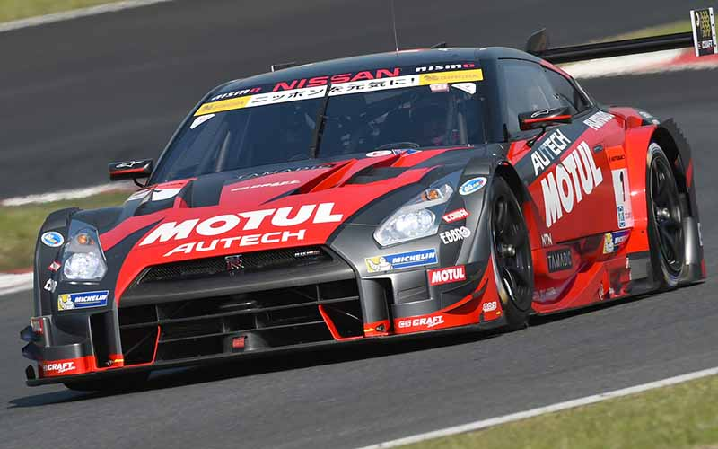 fuji-gt500-qualifying-pp-take-on-motul-autech-gt-r-threat-of-record-time20150503-2-min