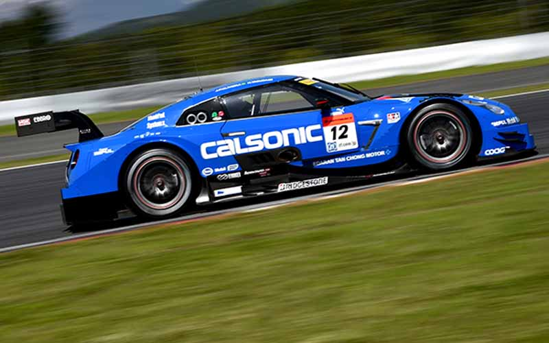 fuji-gt500-qualifying-pp-take-on-motul-autech-gt-r-threat-of-record-time20150503-3-min